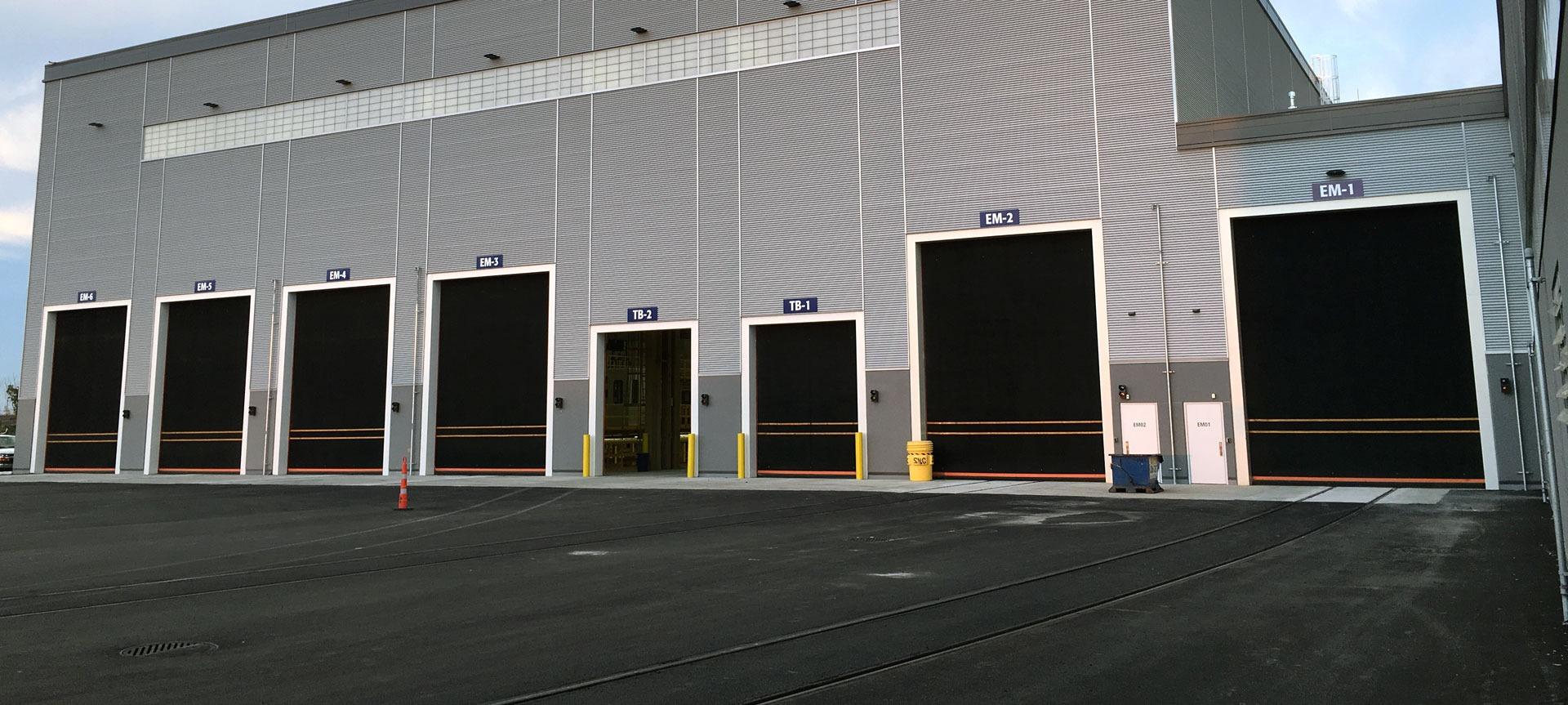 Portes de garage lafleur industrielles et rsidentielles - Bon coin porte fenetre occasion ...