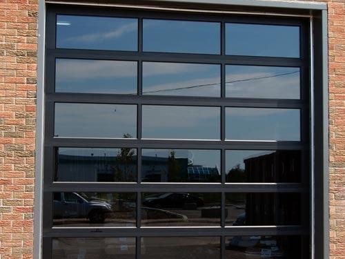 les stations service ou des postes de pompiers nos portes d aluminium